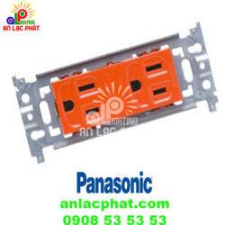 Ổ cắm đôi WN1518R Panasonic an toàn hơn với dây nối đất